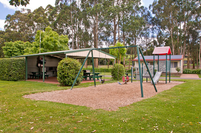Camp-Kitchen-Playground